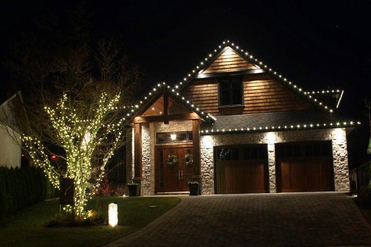 we-install-christmas-lights-mid