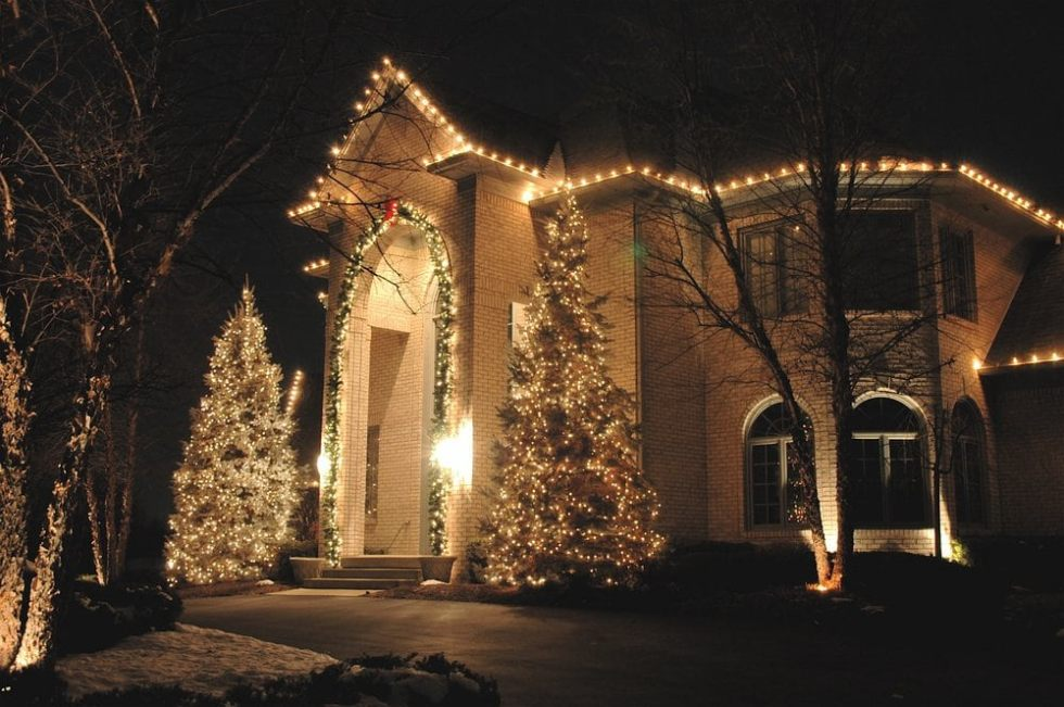 Benefits of We Install Christmas Lights Festive Lighting